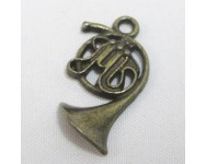 Colgante Metal Trompa. 20x12mm. Bronce Antiguo.